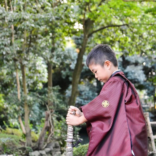七五三5歳 日本庭園で男らしさを演出( ◠‿◠ )  周りのお友達とは一味違う写真が残せます♪