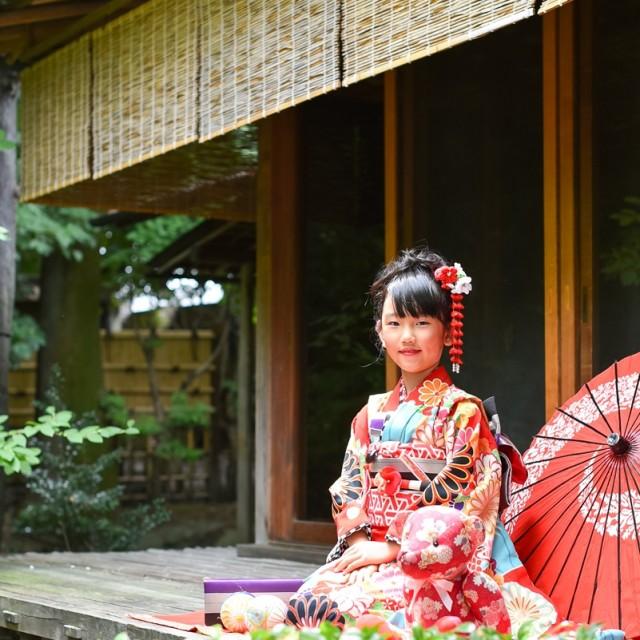 七五三7歳 日本庭園でパチリ♪本格志向の方にピッタリの七五三写真