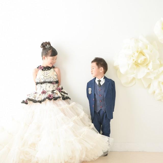 七五三5歳7歳 洋装ドレスタキシード スタジオでナチュラルにパチリ♪