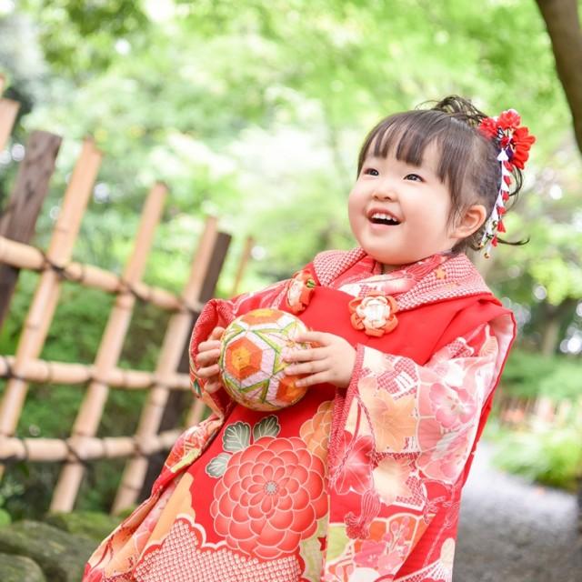 七五三3歳日本庭園撮影 自然な笑顔でお写真パチリ♪