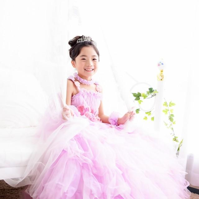 七五三7歳洋装 優しい光に包まれて自然な笑顔でパチリ♪