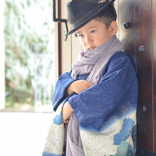 七五三5歳 着物に帽子のコーディネートがおしゃれ♪ 撮影小物も持込OKです!