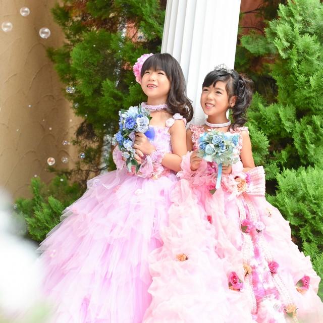 プリンセス写真展より 姉妹ドレス姿でパチリ♪