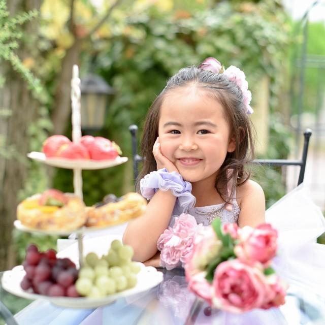 3歳 女の子 お庭でティータイム♪