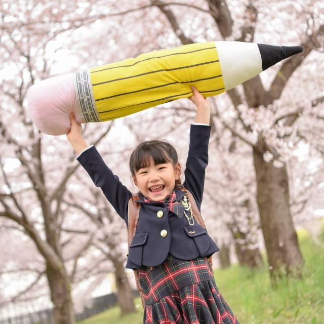 桜の下で入学フォト
